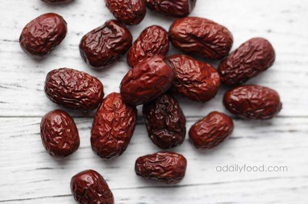 Red dates in cantonese soup