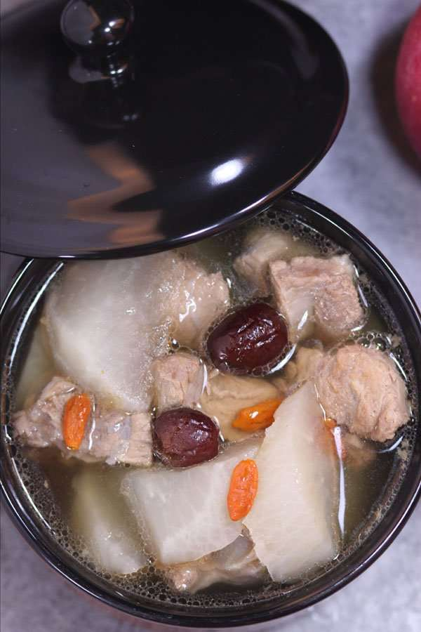 Sparerib and Radish Soup