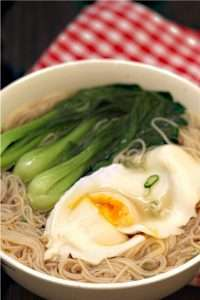 chicken soup noodles with egg