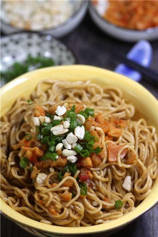 Hot Noodles with Sesame Paste