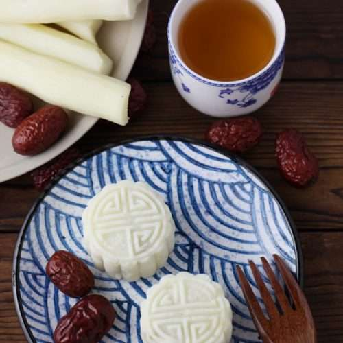 Chinese yam with date paste cake, a cup of tea