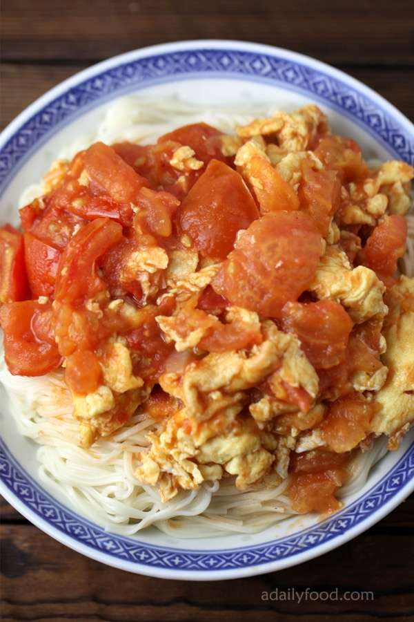 Tomato egg stir fry with noodles