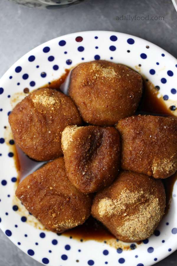 Chinese dessert: sticky rice balls with brown sugar
