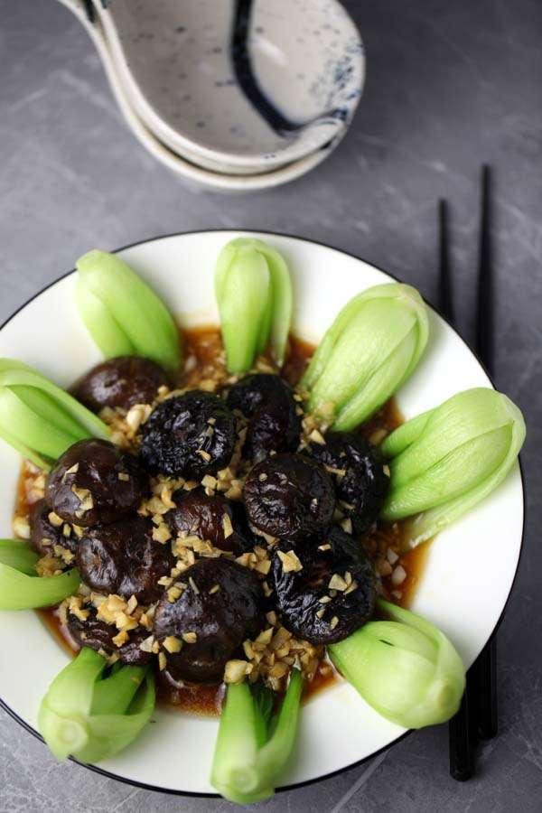 Chinese Mushroom Bok Choy with Sauce