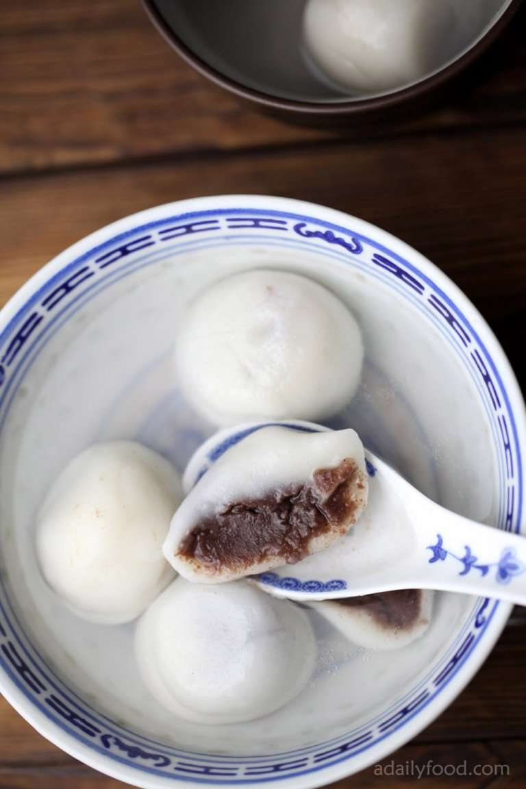 glutinous rice balls with red bean paste(Tang Yuan)