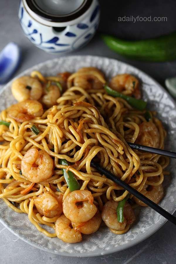 Shrimp with Noodles Stir Fry