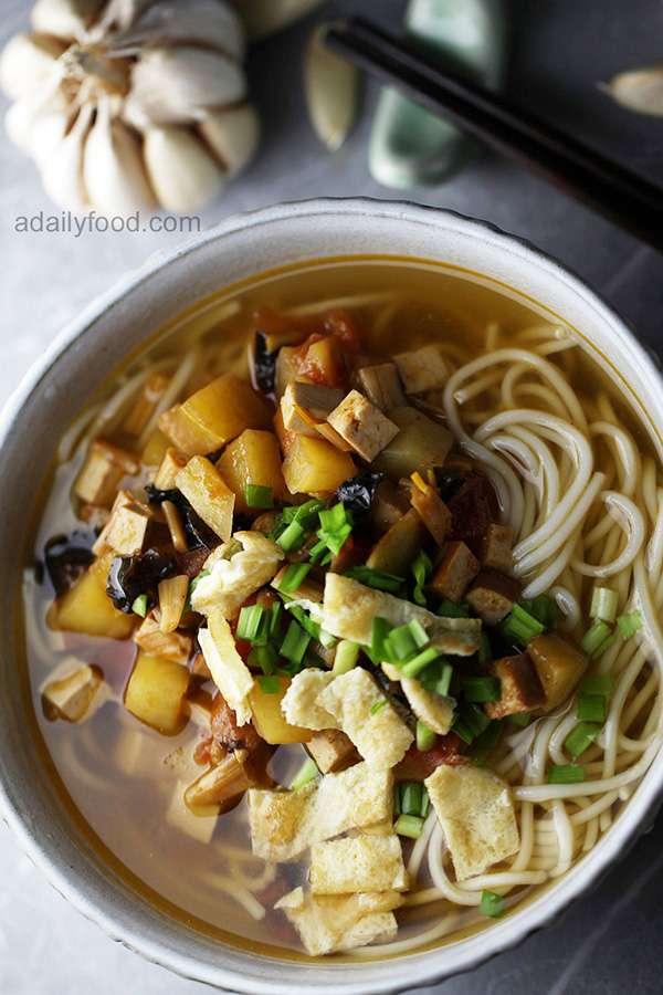 Shanxi Vegan Saozi Noodles (素臊子面)
